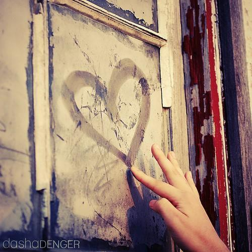 http://gallery.avazak.ir/albums/userpics/10001/Photo-Skin_ir-Love460.JPG